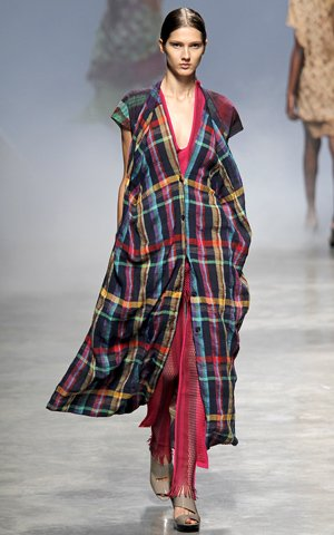 Issey Miyake Spring 2011 Collection