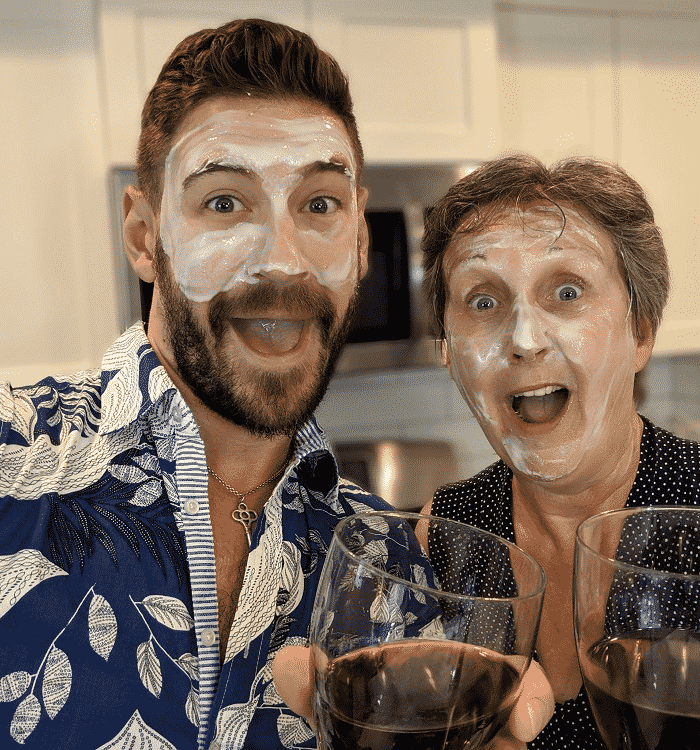 Mom and Son do Red Wine Face Mask